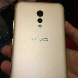 Photographs surface showing the back and front of the Vivo Xplay 6?